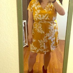 OLD NAVY: Yellow dress with white flowers/ferns